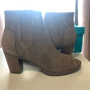 Brand New, no tags- open toe booties